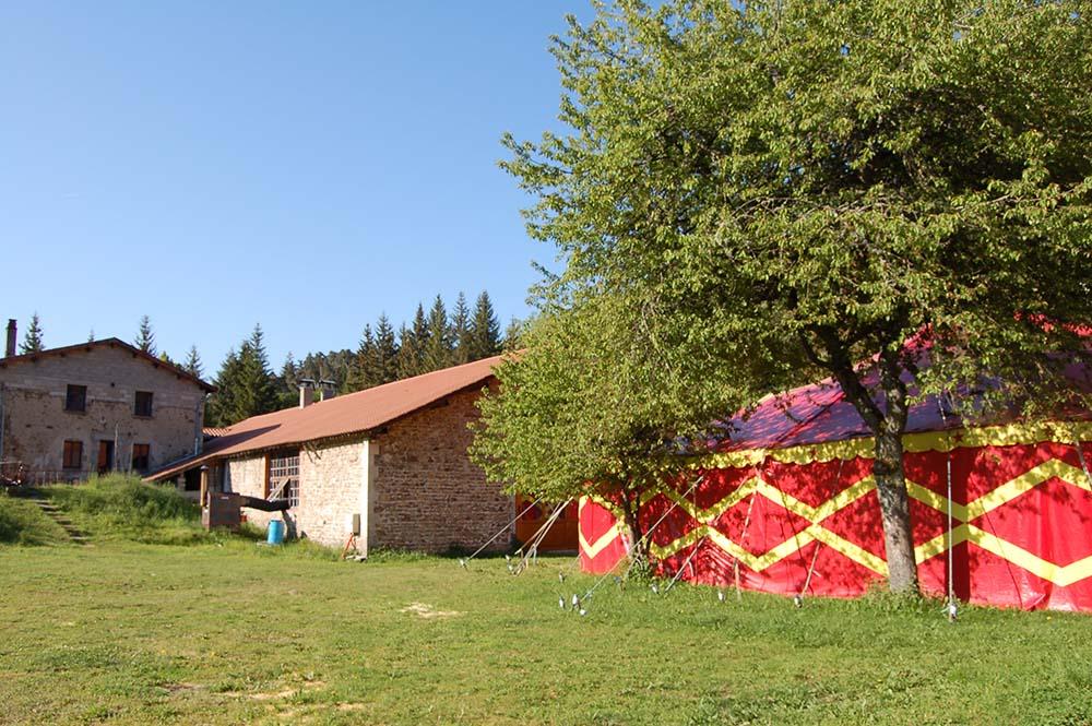 chapiteau-hostellerie-pontempeyrat-2005