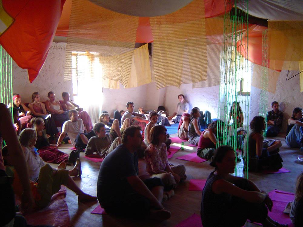 eau-a-la-bouche-salle-de-danse-hostellerie-pontempeyrat-2005